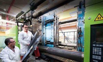 Fábrica de Plásticos en Ourense está Buscando 15 operarios