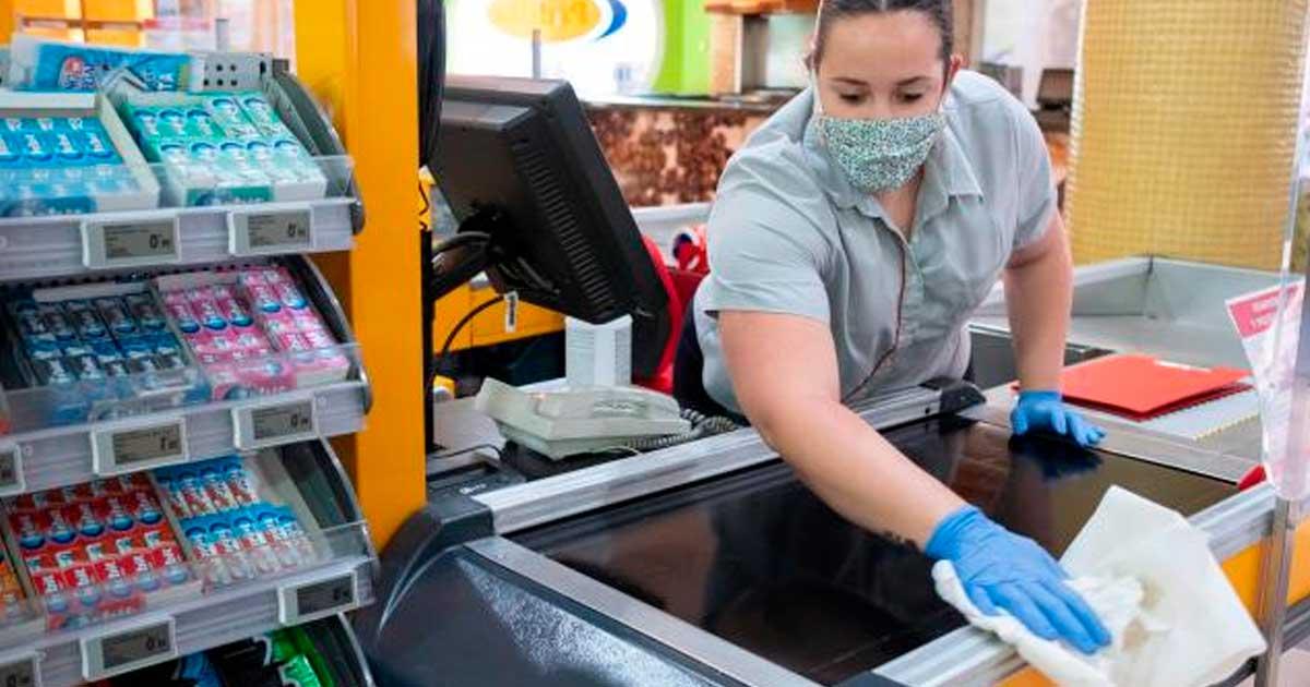 Se necesitan 5 Personas para Trabajar como Operarioa Limpieza en Supermercado