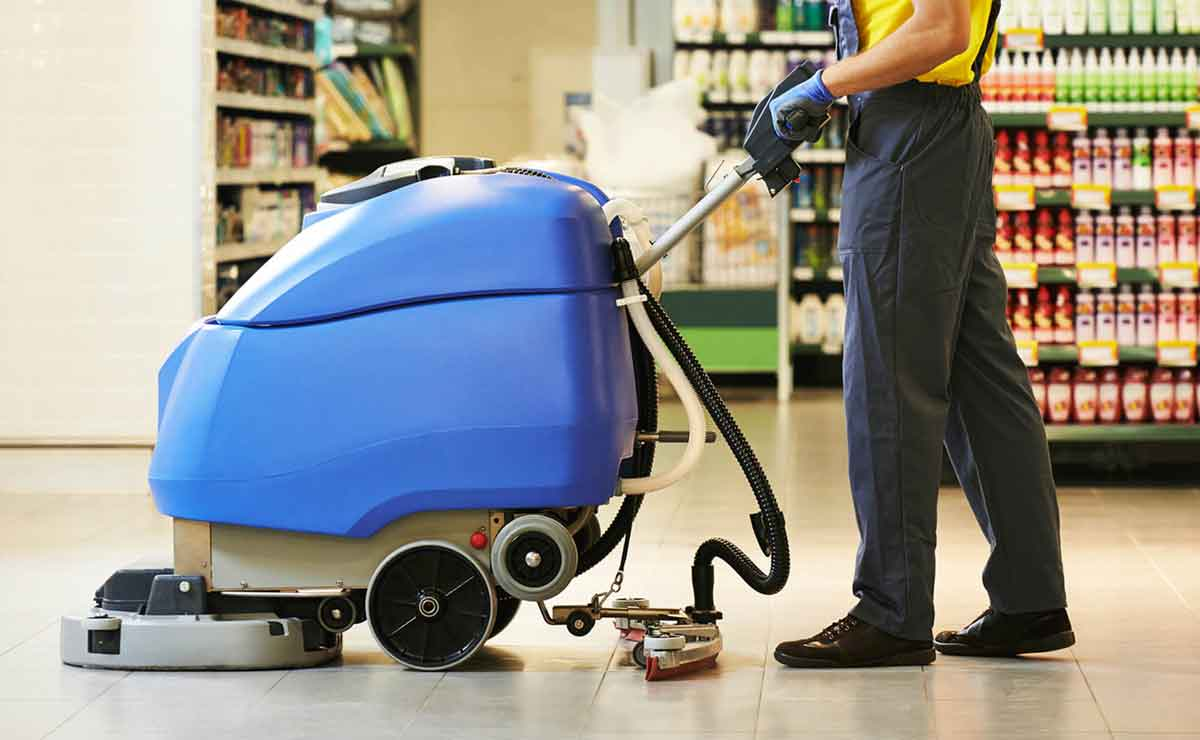 Se necesita personal de limpieza en supermercados en Sevilla